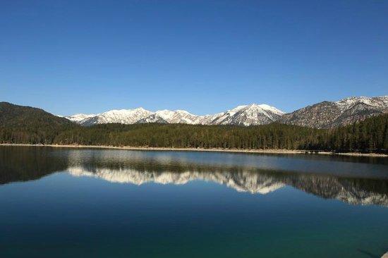 Eibsee: البحيرة
