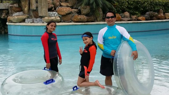 JPark Island Resort & Waterpark, Cebu: swimming time
