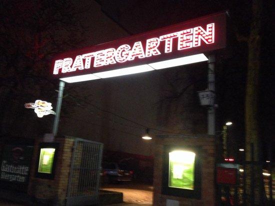 Prater Garten: Front