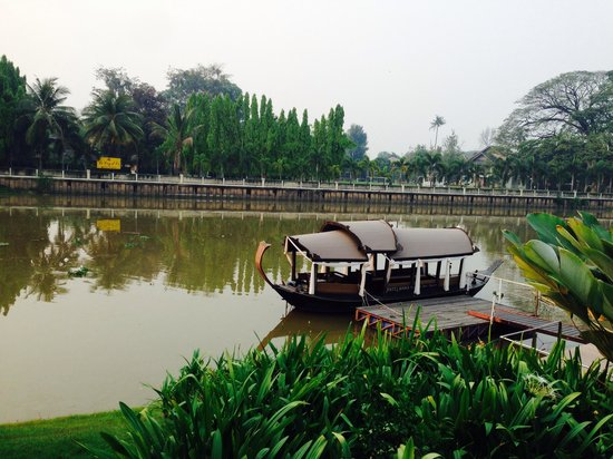 Ratilanna Riverside Spa Resort Chiang Mai: บรรยากาศตอนเช้าที่ท่าน้ำ