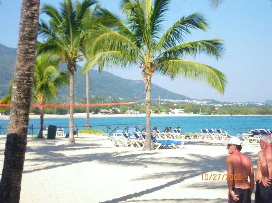 Grand Paradise Playa Dorada : view of town