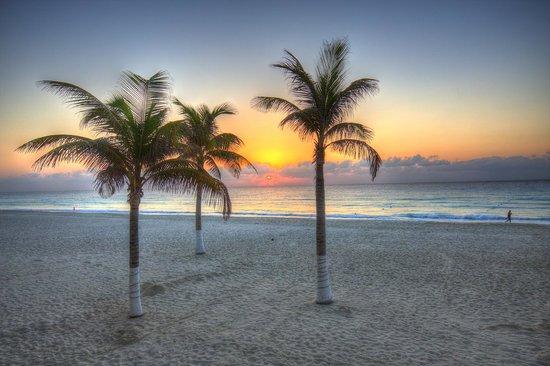 Gran Caribe Resort: Sunrise