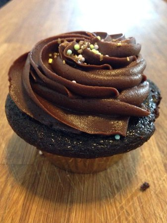 Mrs. DeLish's Cupcakes + Cafe: Chocolate chocolate