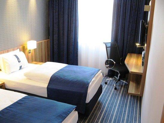 Holiday Inn Express Hamburg - St. Pauli Messe: Guest Room