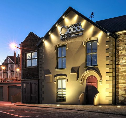 Youghal, Ireland: Clancy's night