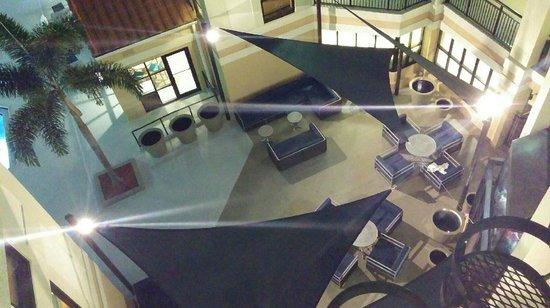 Sonesta ES Suites Orlando : Courtyards