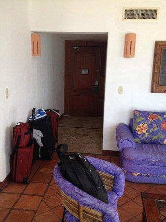 Mía Cancún: Entryway