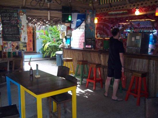 Hostal Mar e Iguana: Bar area