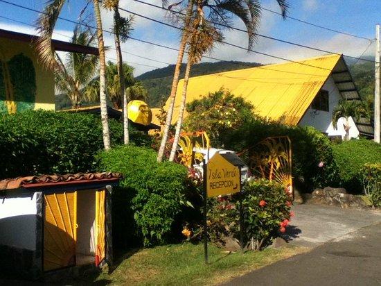 Isla Verde Hotel: Isla Verde's main entrance/office
