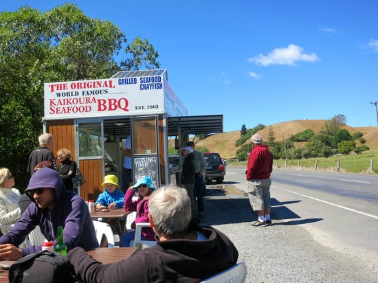 Kaikoura Seafood BBQ: great funky ambiance!