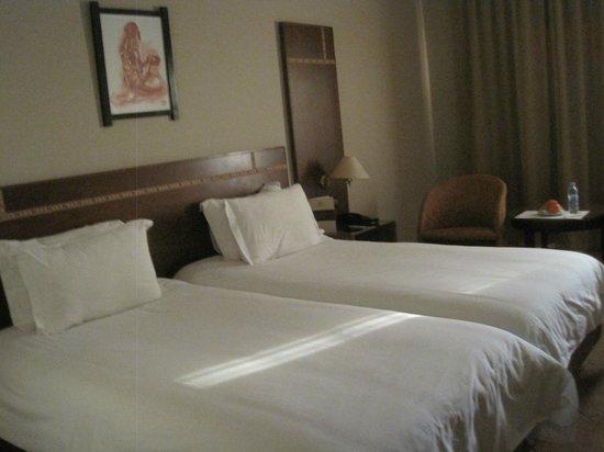 Hotel Kenzi Farah: twin beds