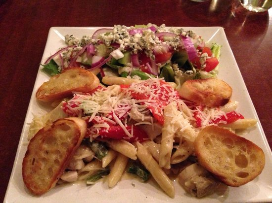 pasta  alfredo  veggies salad  blue cheese