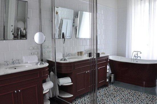 Vidago Palace Hotel: Superior Room Bathroom