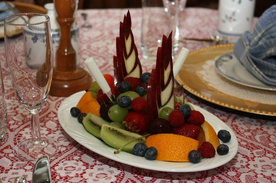 Comme Chez Vous: A Sail Boat Fruit Tray for two.