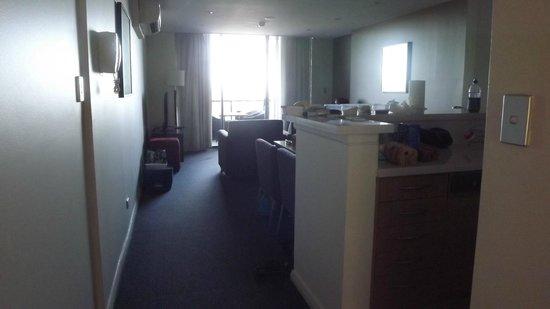 Meriton Suites George Street: living/kitchen area