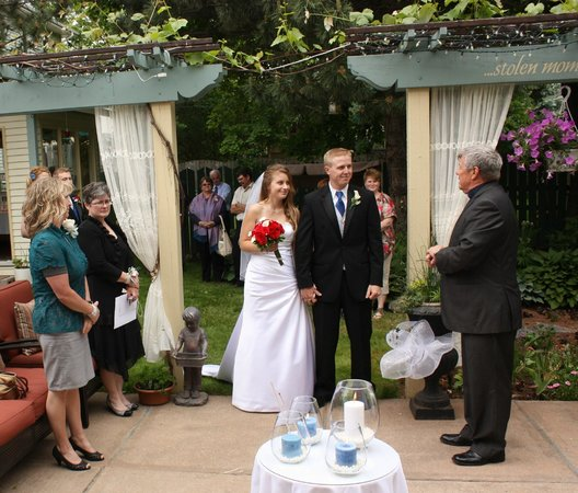 Comme Chez Vous: Check out our Wedding Packages