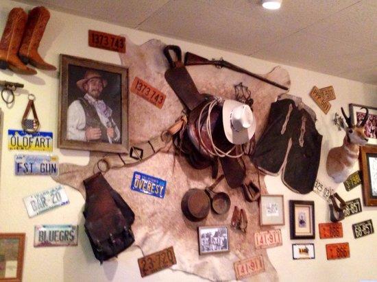 Lone Spur Cafe : Creative cowboy memorabilia.