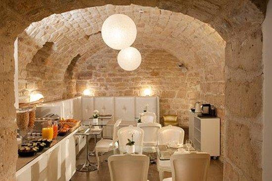 Hotel Caron : Dining Room