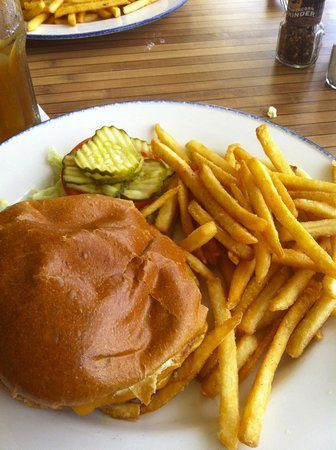 JB's On The Beach: Great burgers