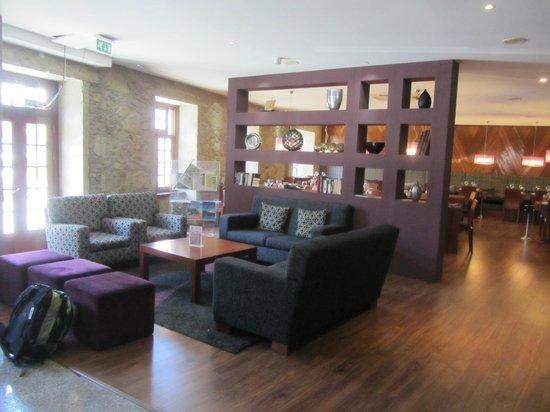 Hotel Meira: холл отеля