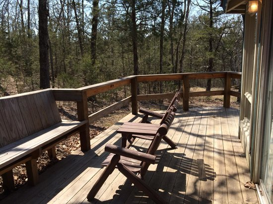 Ozark Cabins At Dry Creek: Deck Of #149 Facing Forest
