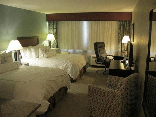 Causeway Bay Lansing Hotel: Guest Room