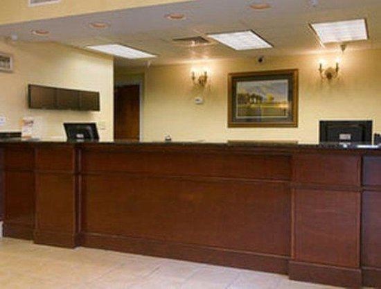 Home Inn & Suites Montgomery: Lobby view