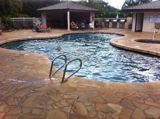 Aston at the Maui Banyan : Pool area