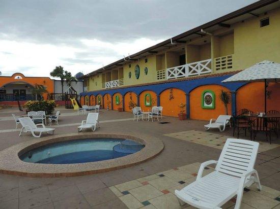 La Hacienda: Pool area