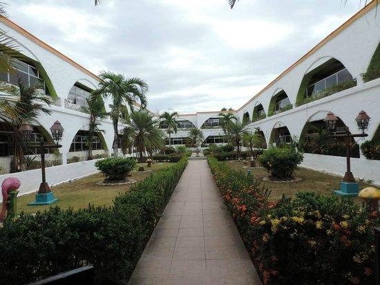 La Hacienda: Inside atrium