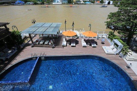 Riva Surya Bangkok: Riva Surya Hotel Swimming Pool