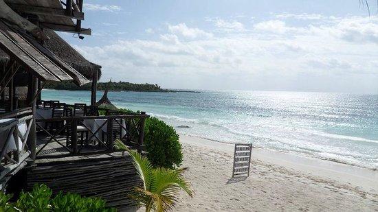 Al Cielo Hotel: On the beach