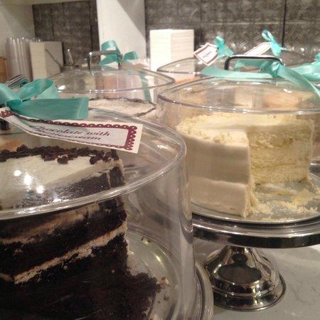 Maxie B's : Cakes
