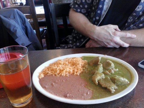 La Tarasca: Chile verde w/ rice & beans