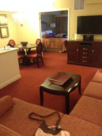1 bedroom suite w kitchenette picture of jockey club las vegas tripadvisor for 2 bedroom suite in las vegas strip