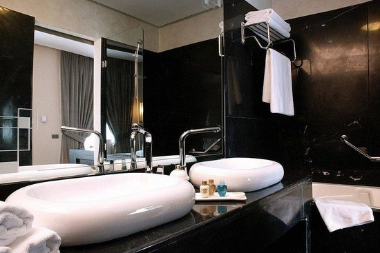 Imperial Casablanca Hotel & Spa : Bathroom