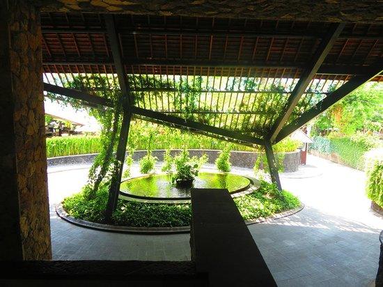 The Oasis Lagoon Sanur : The lobby entrance