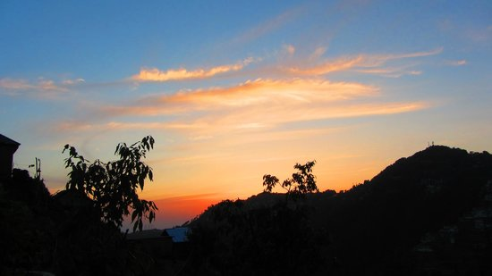 birdsnchirps Homestay : Sunset from Terrace