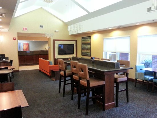 Residence Inn Fort Myers: Breakfast Area