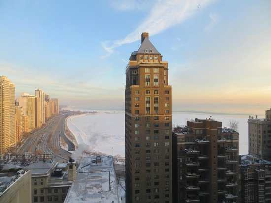The Westin Michigan Avenue Chicago: morning view to Lake Michigan (from room #2735)