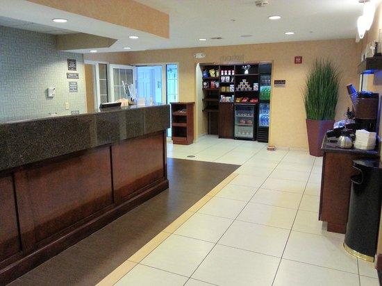 Residence Inn Fort Myers: Lobby