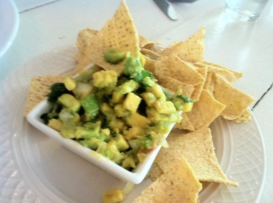 St Germain Bistro & Cafe: Guacamole & Chips