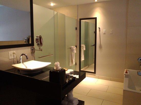 Salle de bain ouverte sur chambre humidite ~ Solutions pour la ...