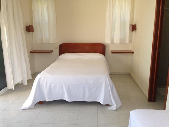 Hotel Puerto Holbox: Preciosa y amplia habitación con vista al mar
