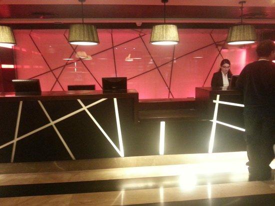 Dan Panorama Haifa: lobby reception
