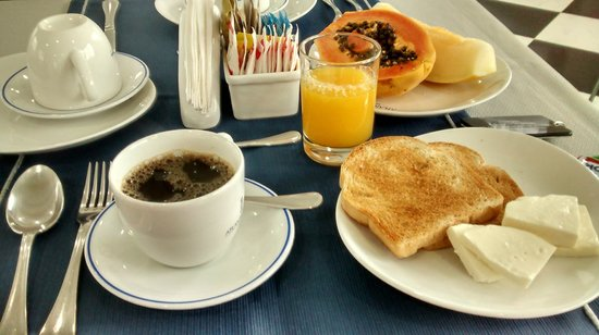 Atlantico Inn: Bom café da manhã