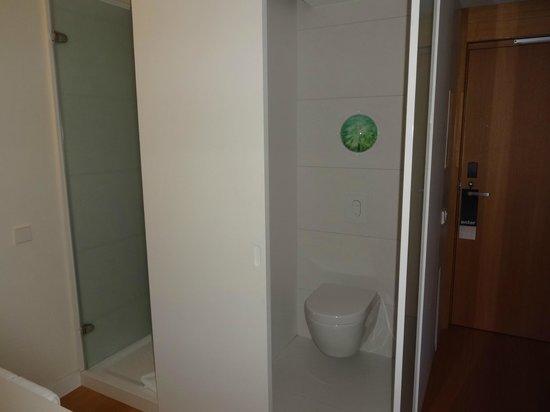 Barcelo Sants : Bathroom