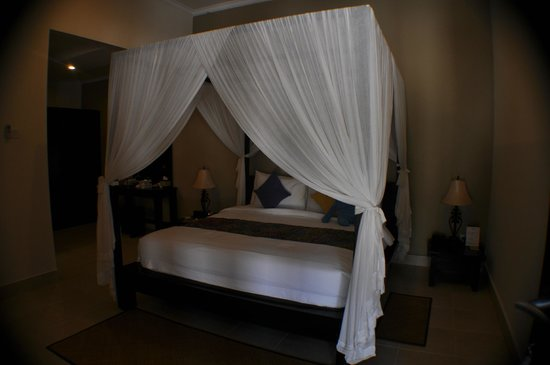 The Tukad Villa: Bed