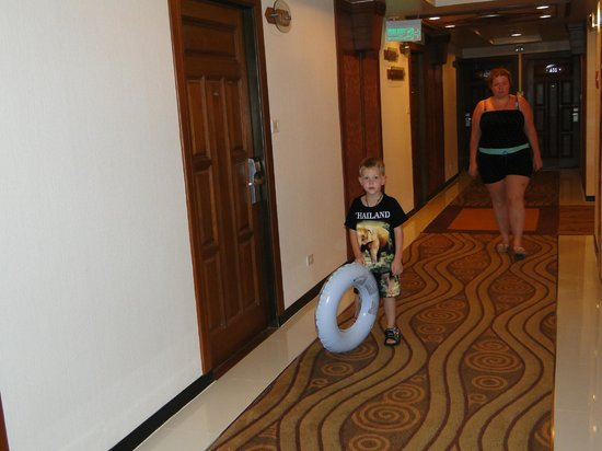 Asia Hotel Bangkok: коридор этажа