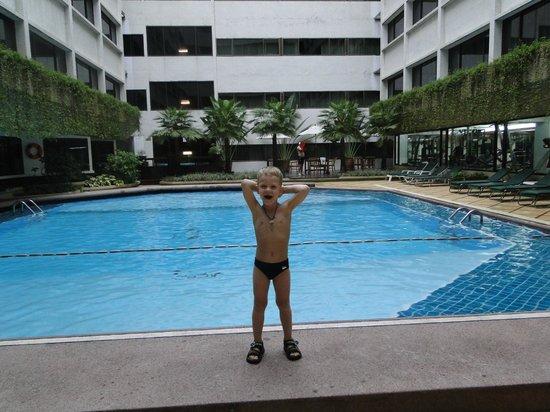 Asia Hotel Bangkok: бассейн на 5 этаже
